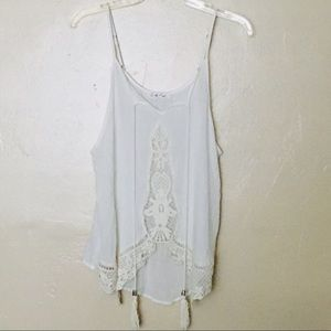 Anthropologie on the road white embroidered top M